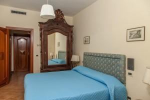 camera con balcone (5)